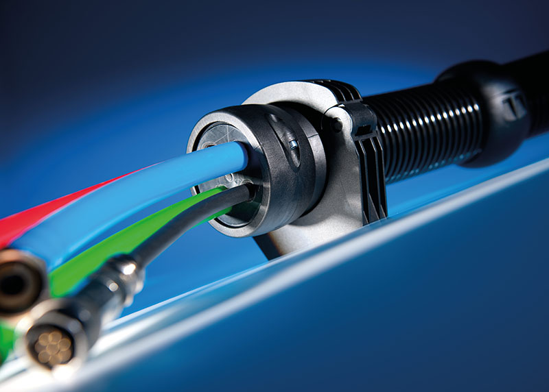 Articulatii capat tub flexibil copex. Articulatie detasabila cu detensionare mecanica a cablurilor integrata