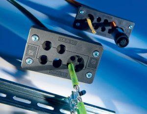 Sistemul KDL_D este un sistem divizibil care permite instalarea rapida si usoara a pana la 48 de cabluri preasamblate cu o densitate ridicata de ambalare