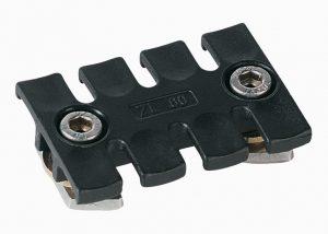 Unitati de fixare a cablurilor cu saiba de alama care impiedica deformarea la rece a plasticului sub influenta vibratiilor puternice si constante.
