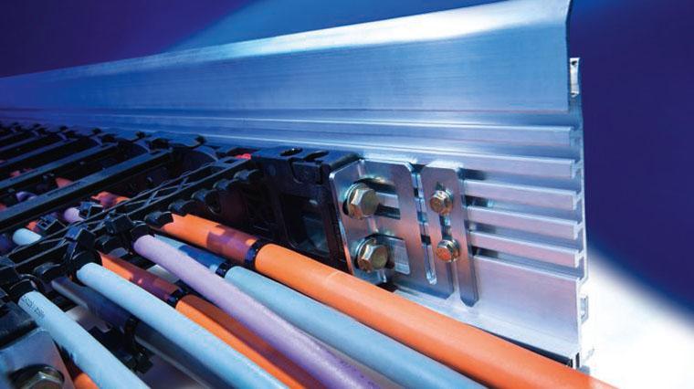 Ghidaje lant portcablu. Solutia ideala pentru cerinte mecanice exigente.