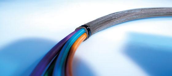 Tuburi tesute, extrem de durabile si foarte elastice. utile pentru a lega, proteja un numar mare de cabluri pe usa tablourilor electrice